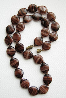 Vintage 1950s banded agate glass bead necklace jewelry brown cream