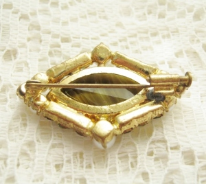 vintage 1950s brown banded glass agate brooch green pearl rhinestones dating help jewellery