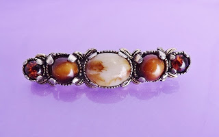 Vintage costume jewelry Scottish agate glass paste stone brooch