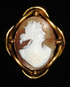 Antique victorian carved shell cameo brooch jewelry