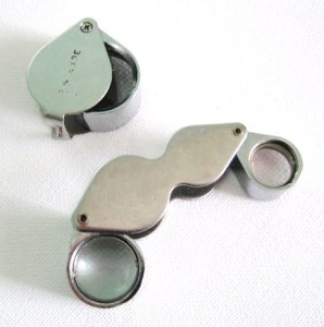 My jewellery loupes, of various magnification, from x 10 to x 30. Personally, my x20 magnification loupe is the one I use most.