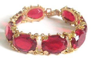 Vintage 70s chunky red glass stone paste bracelet jewelry