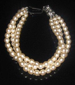 Vintage 80s glass pearl bracelet jewellery