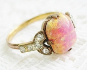 art deco vintage pink glass opal diamante ring