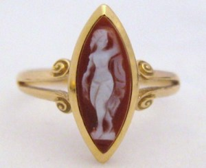 Art Deco carved agate hardstone cameo ring in 9ct gold vintage jewellery