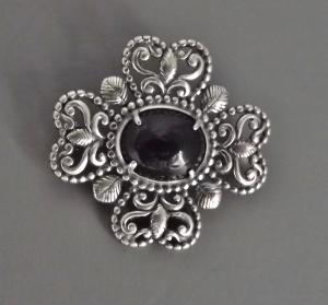 Onyx vintage sterling silver brooch jewellery