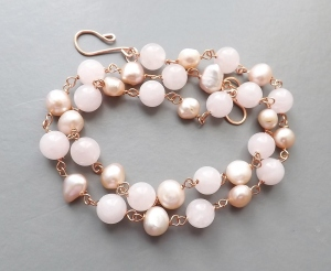Peach freshwater cultured pearl rose quartz pink gold tone copper wirework necklace bead wedding bridal prom jewellery