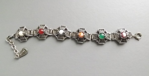 vintage modern Scottish agate glass costume jewellery cross bracelet