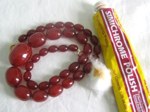 Art deco cherry red Bakelite graduated bead necklace, Simichrome tested.