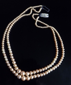 Vintage 1960s 2 row glass pearl graduated bead necklace, with diamante paste clasp