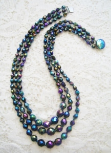 Vintage 1960s 3 row strand bib carnival glass bead necklace