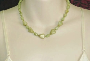Vintage circa 1970s green faux Iona marble glass bead speckled necklace