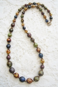 Vintage speckled faux Scottish agate glass graduated bead necklace