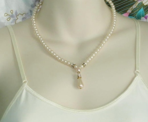 Vintage 1980s glass pearl teardrop and diamante detail bridal wedding necklace