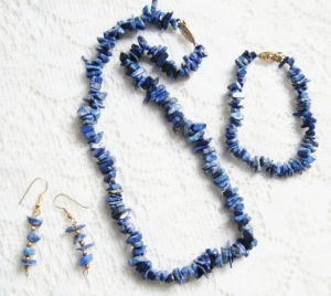 Vintage circa 1980s natural Lapis Lazuli gemstone nugget bead necklace bracelet and earrings set