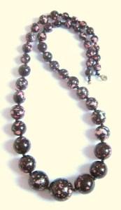 Vintage 1980s plastic paint speckled bead black necklace