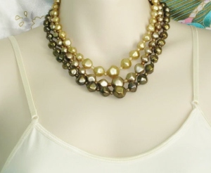 Vintage 1980s 3 row strand bib collar necklace, detailed with green plastic pearl beads