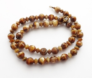 Vintage circa 1960s brown and cream banded glass agate bead necklace