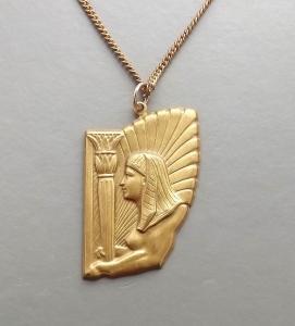 Vintage Egyptian revival Sphinx gold tone pendant necklace