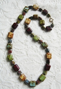 Vintage chunky speckled Scottish agate glass lozenge square bead necklace